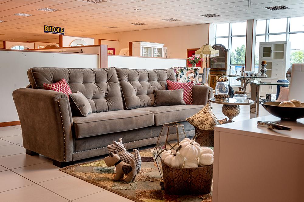 Tienda de muebles en jerez la imagen puede contener tabla e interior with tienda de muebles en - Tiendas de muebles en chiclana ...